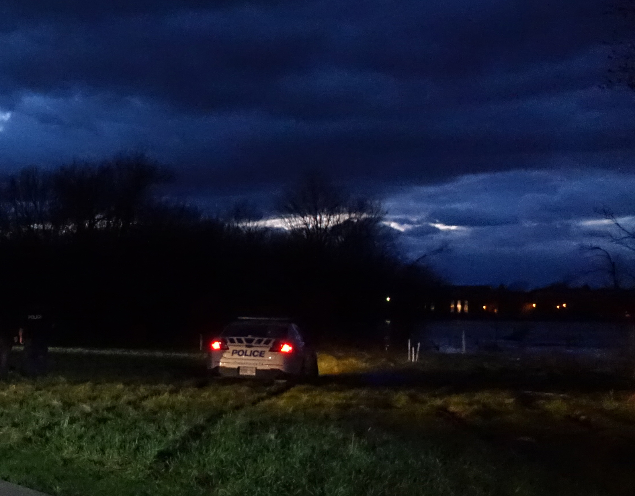 Lors d'une patrouille préventive en fin de soirée, un agent sauve la vie d'une femme